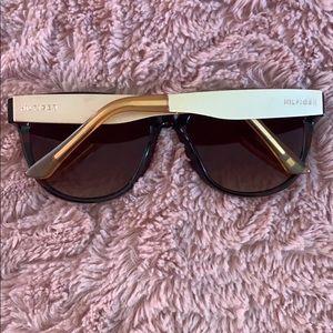Tommy Hilfiger Accessories - NWOT Tommy Hilfiger Sunglasses